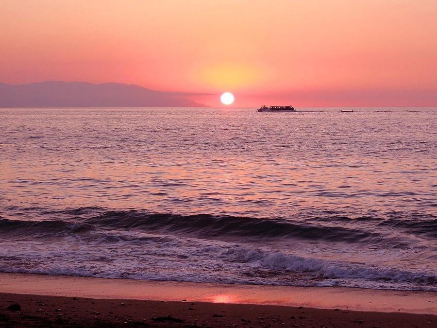 Wallpaper of a beautiful sea at sunset Nature, Sea, Sunset, Sunrise id1533535872