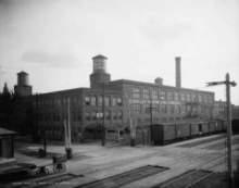 В конце 90–х годов 19 века в электрической компании в Детройте работал молодой механик...