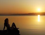Обои красивого моря на закате Природа, Море, Закат, Восход, Девушка и море id1469607419